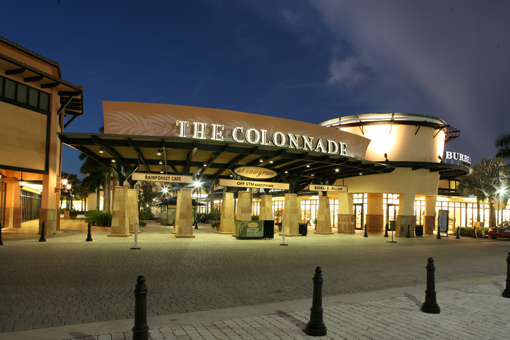 Mall Store Listing. List of Stores at Sawgrass Mills Mall; 5 7 9 Outlet - Space Section O: A'gaci - Sawgrass Dental - F - Market Food Court-Section A: Sbarro The Italian Eatery - Food Court by Section O Store The Colonnades Outlets -Red: Starbucks Coffee - Stuart Weitzman - Section W.